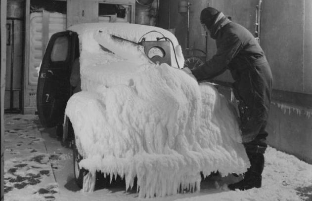 Ob dieser Diesel noch anspringt? Die Schlagworte Cloud Point (CP) und Cold Filter Plugging Point (CFPP) gewinnen im Winter an Bedeutung. Foto: UK Government / Wikimedia, Public Domain