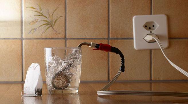 Power-to-Heat funktioniert ähnlich wie ein Tauchsieder. Foto: Simon. A. Eugster/Wikimedia