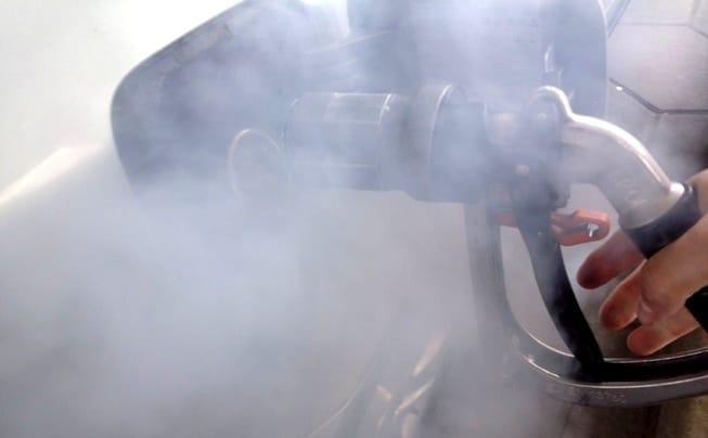 Dämpfe beim Abkoppeln der Autogas-Pistole soll der Euronozzle reduzieren. Foto: Urbansky