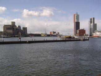 Flüssiggasterminal im Rotterdamer Rheinhafen. Foto: Joris / Wikimedia