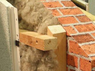 Möglichkeit einer Innendämmung mit Steinwolle und Leichtgbauplatte. Foto: RaBoe / Wikimedia / Lizenz unter CC-BY-SA-3.0