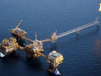 Die Iraner, hier ihre größter Öl-Produtkionskomplex im Persischen Golf, kehren 2016 als weltweiter Lieferant an alle Weltmärkte zurück. Foto: Abdolreza Mohseni / NIOC
