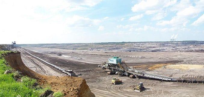 Tagebau Vereinigtes Schleenhain bei Leipzig. Ginge es nach einigen Teilnehmern, könnte man hier noch 1000 Jahre Braunkohle abbauen. Foto: Joeb07 / Wikimedia / Lizenz unter CC BY 3.0
