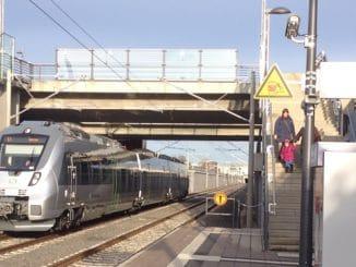 Schnittstellen für die Vermeidung von Induvidualverkehr: Haltestellen des ÖPNV, hier in Leipzig. Foto: Urbansky