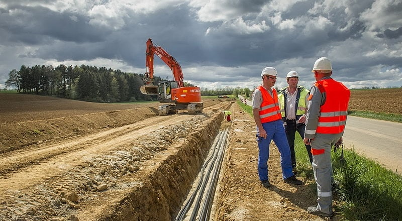 Verlegung einer 110-kV-Erdkabels in Baden-Württemberg. Foto Nico Pudimat / Wikimedia