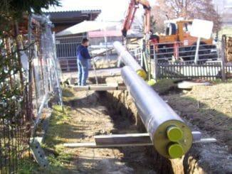 Verlegung eines hocheffizienten KMR-Rohres in Büsingen. Foto: Solarcomplex