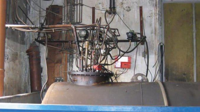 Hessisches Heizöl-Tank-Mängel-Beispiel: Wohl dem, der den Durchblick nicht verliert. Foto: Witzmann