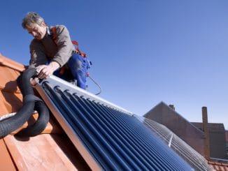 In der Hybridheizung bewährt: Solarthermie Foto: BDH