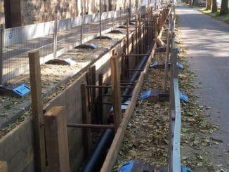 Neuverlegung eines Fernwärmenetzes im Bestand. Foto: Fachverband SHK NRW