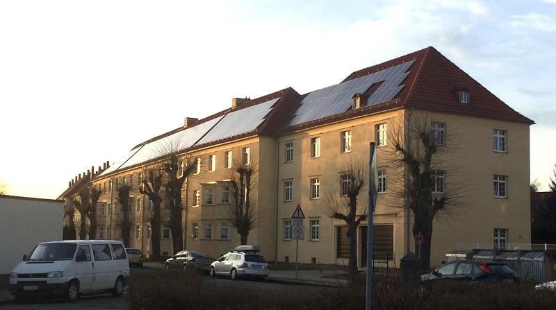 solaranlagen mieten statt kaufen. Black Bedroom Furniture Sets. Home Design Ideas