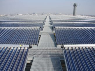 Der Energiebunker in Hamburg zeigt, dass sich auch hierzulande größere Solarprojekte rechnen können. Bild: Ritter XL Solar