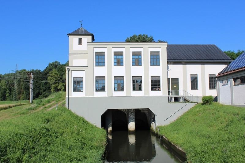 Grantiert Ökostrom: Das Wasserkraftwerk in Breitenthal prodzuziert seit 117 Jahren Grünstrom. Foto: Urbansky Ökostrom, RECS, Photovoltaik, Windenergie, Wasserkraft
