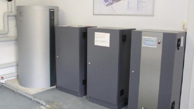 Moderne Lithium-Stromspeicher für den Eigenverbrauch von selbst erzeugtem PV-Strom. Foto: Urbansky PV, Srom, Energiespeicher, Akku, Blei