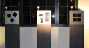 In Carbonbeton installierte Photovoltaik-Module: flexibel einstellbar (links), statisch intergriert und auswechselbar (Mitte), direkt bündig in den Beton eingearbeitet (rechts). Fotos: Urbansky C³, Carbon Concrete Composite, Photovoltaik