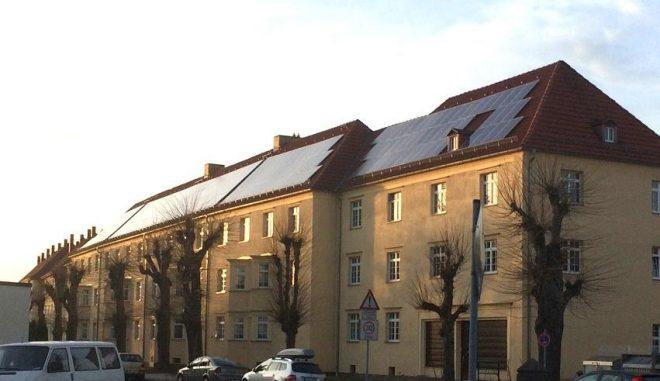 Eine von inzwischen 1,5 Millionen PV-Anlagen in Deutschland, die es ermöglichen, selbst als Energieproduzent und nicht nur als Konsument zu agieren. Foto: Urbansky Prosumer, EEG, PV-Strom