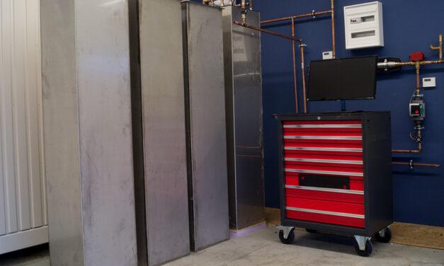 Testanlage des Salzspeichers, der drei mal effizienter ist als herkömmliche wasserbasierte Wärmespeicher. Fotos: Rawema Salzsspeicher, Warmwasserspeicher, Effizienz