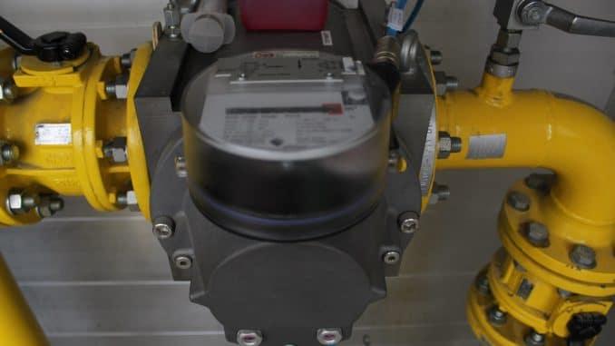 Auch der Gasverbrauch wird in einem smarten Energiemanagement, wie hier bei einem Kunststoffverarbeiter, elektronisch erfasst und ausgewertet. Foto: Urbansky Industrie 4.0, Digitalisierung, Energiemanagement Energiesparen, Unternehmen, Kundenzufriedenheit
