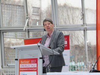 Will keineswegs fossile Brennstoffe im Wärmemarkt verbieten, nur den Rahmen anders setzen: Bundesumweltministerin Barbara Hendricks. Foto: Urbansky