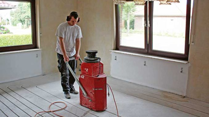 Das Fräsen erfolgt weitgehend staubfrei und ist bei einem normalen Wohnhaus an ein bis zwei Arbeitstagen erledigt. Foto: Rotex