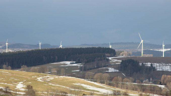 Trotz Dunkelflaute im Januar stieg die Stromeinspeisung aus Windanlagen um 19 Prozent. Foto: Urbansky