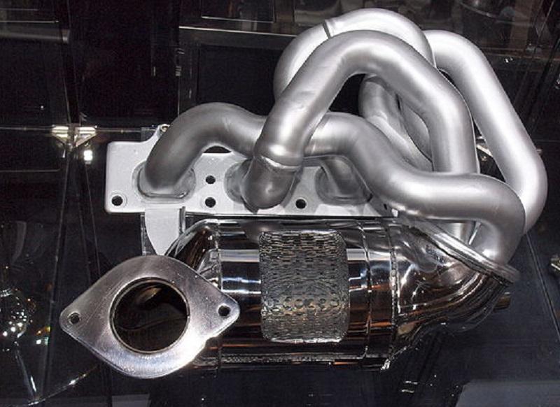 Katalysator für die Sport-Kompaktmodelle vom Typ Renault Twingo Sport. Foto: Michael KR / Wikimedia / Lizenz unter CC-BY-SA 4.0