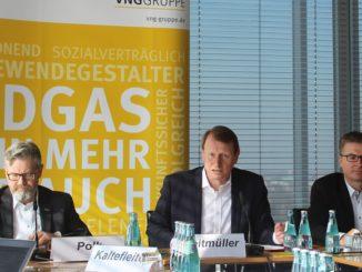 Wollen auch ohne Schlips mehr können als nur Erdgas: VNG-Vorstände Hans-Joachim Polk, Ulf Heitmüller und Bodo Rodestock. Foto: Urbansky