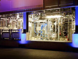 Produziert schon im vorindustriellen Maßstab PtL: Blue Crude-Anlage von Sunfire in Dresden. Foto: Sunfire