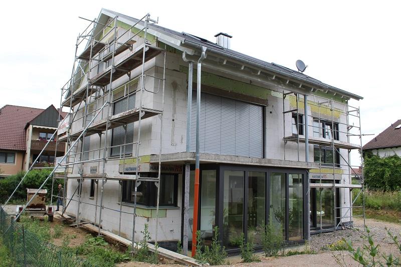 220 Quadratmeter Wohnfläche dieses Hauses werden monovalent mit einer Luft-Wasser-Wärmepumpe beheizt. Foo: Urbansky
