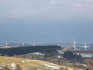Könnten eine Quelle für Grünstrom in der Direktvermarktung sein: Windkraftanlagen, die bald aus der Förderung herausfallen. Foto: Urbansky