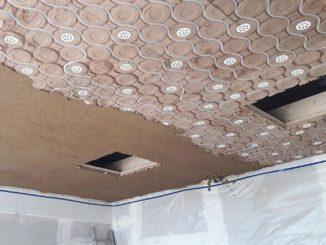 Kann einfach verlegt werden, ist ökologisch, energieeffizient und sorgt für ein gutes Raumklima: Deckenheizung aus Lehm. Foto: AgrillaTherm