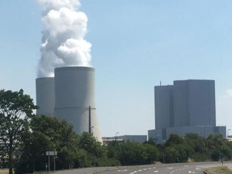 Für Kraftwerke wie hier in Lippendorf bei Leipzig wir die Verstromung von Kohle mit steigendem Preis für Kohlendioxid unattraktiver. Foto: Urbansky