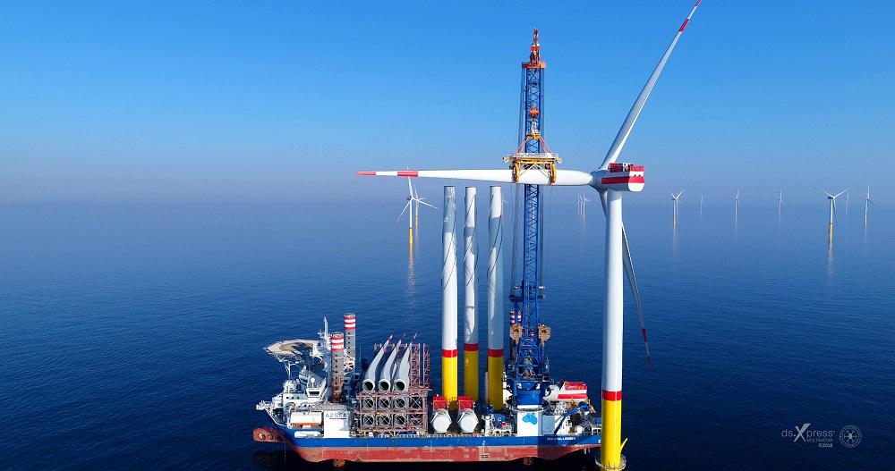 Der Windpark Arkona von Eon und Equinor wurde in Rekordzeit 35 Kilometer vor der Küste der Insel Rügen errichtet. Erzeugt werden damit bis zu 385 Megawatt Strom - genug, um theoretisch 400.000 Haushalte mit Strom zu versorgen. Foto: Eon