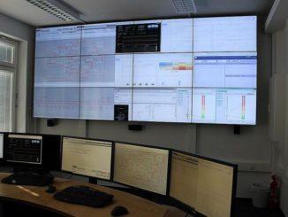 In der Leitwarte an der TU Ilmenau werden Netzbelastungen der Zukunft simuliert. Foto: Urbansky