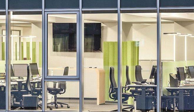 Diese LED-Lichtanlage im Pressehaus Stuttgart ist energieeffizient und folgt zudem den Grundsätzen der biodynamischen Beleuchtung. Foto: Waldmann