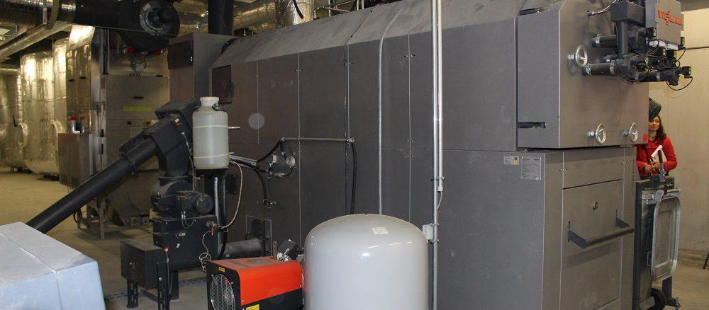 Pelletkessel mit 530 kW Leistung beheizt ein Möbelhaus. Foto: Urbansky