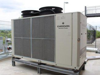Soll der Kühlbedarf in Zukunft gedeckt werden, müssen Kompressionskältemaschinen effizienter oder durch andere Technologien ersetzt werden. Foto: Urbansky