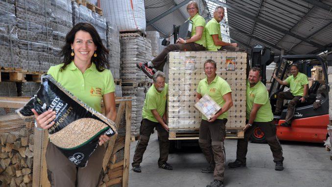 Legt Wert auf gute Lagerung und Nachhaltigkeit: Das Team von Naturbrennstoffe Kretschmann. Foto: Naturbrennstoffe Kretschmann OHG