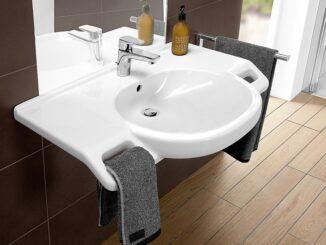 Behindertengerechtes Waschbecken. Foto: Villeroy & Boch