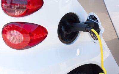 E‑Autos: Vor- und Nachteile auf einemBlick